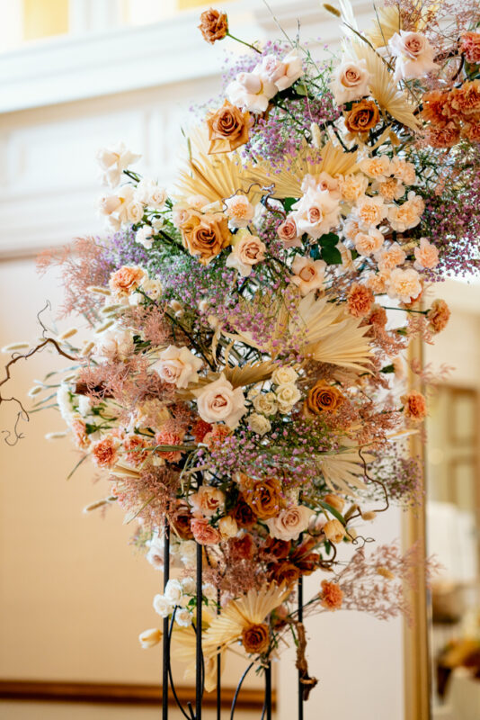 Winter Weddings and Winter Flowers, Baby's breath, roses