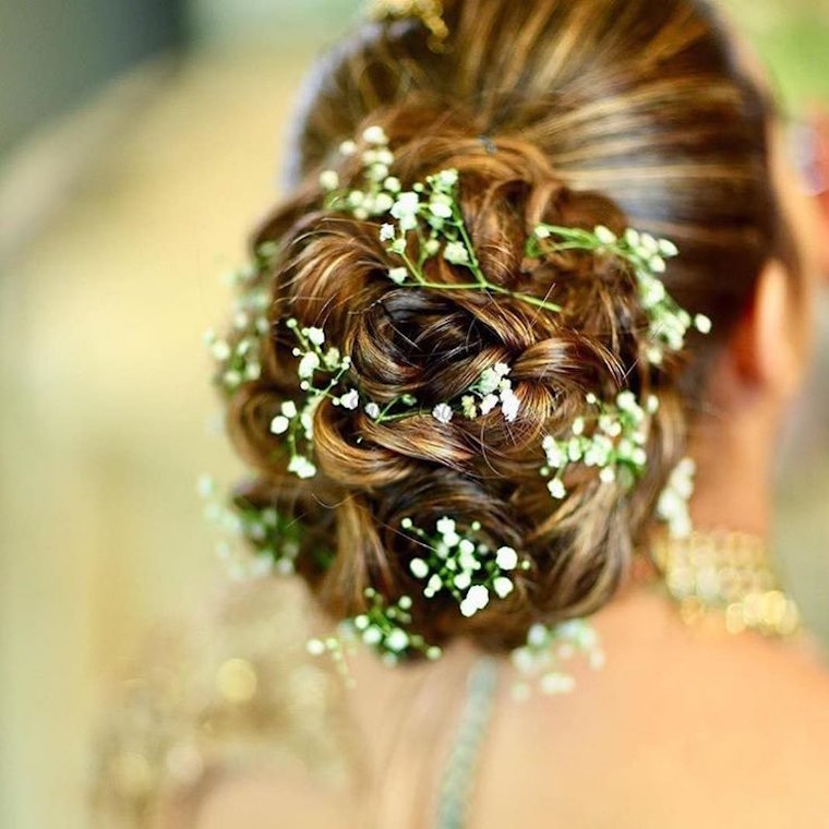30 stunning ways to wear wedding hair flowers a whisper of babys breath min