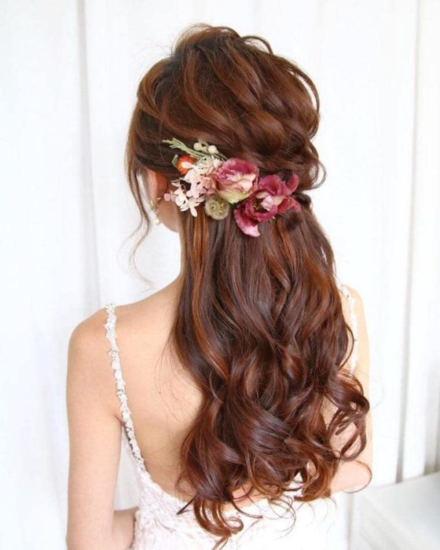30 stunning ways to wear wedding hair flowers dainty florals for a half up half down min