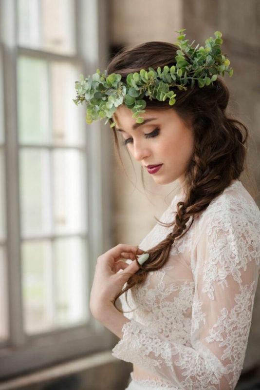 30 stunning ways to wear wedding hair flowers decorative foliage min 683x1024 1