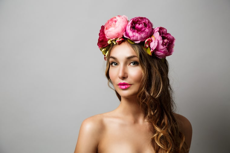 30 stunning ways to wear wedding hair flowers full on frontal florals min