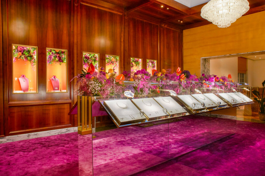 floral design in retail hospitality pink and orange retail flowers