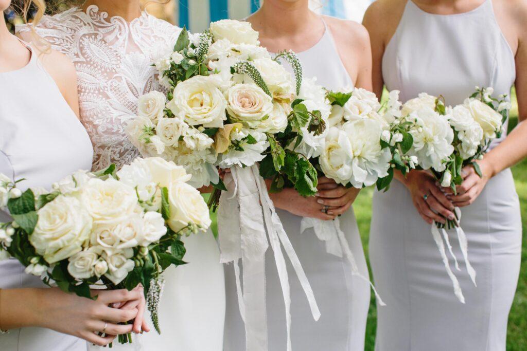 micro wedding bride and bridesmaids bouquets