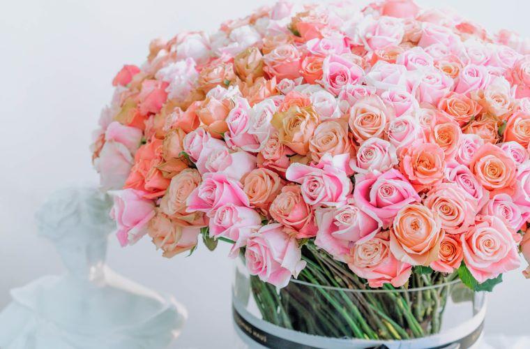 pride month flowers 500 rose bouquet