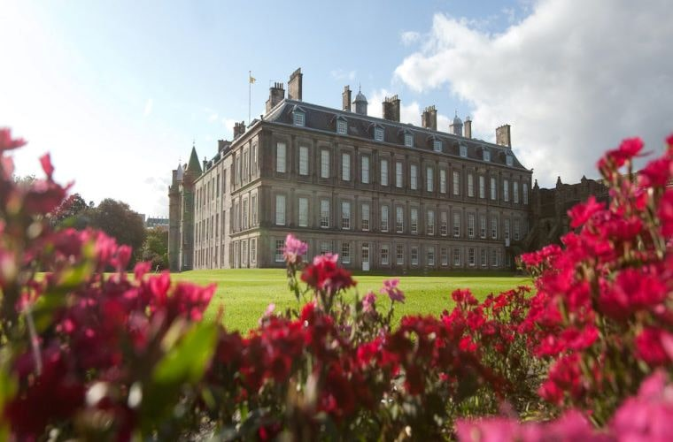 11 Best UK Royal Gardens to Explore holyroodhouse min